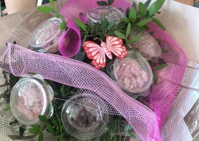 bouquet_bonbons_petales_de_rose_2