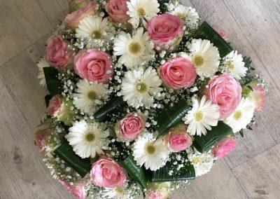 deuil petales de rose la tour daigues 17