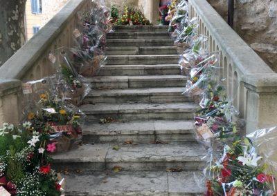 deuil petales de rose la tour daigues 21