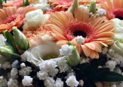 gateau fleuri petales de rose la tour daigues6