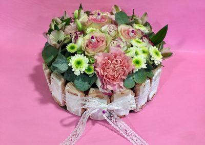 gateau fleuri petales de rose la tour daigues8