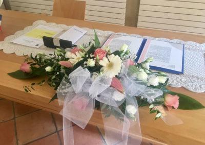 léa et emeric mariage par petales de rose fleuriste à la tour d'aigues