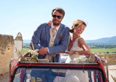 Anaïs et olivier mariage par pétales de rose fleuriste à la tour d'aigues