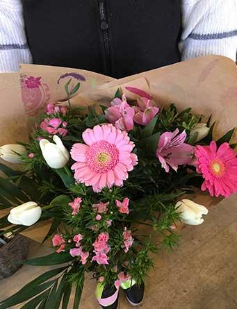 bouquet du mois pétales de rose